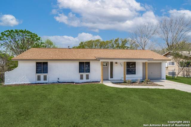 306 Shin Oak Dr, Live Oak, TX 78233 (MLS #1517656) :: 2Halls Property Team | Berkshire Hathaway HomeServices PenFed Realty