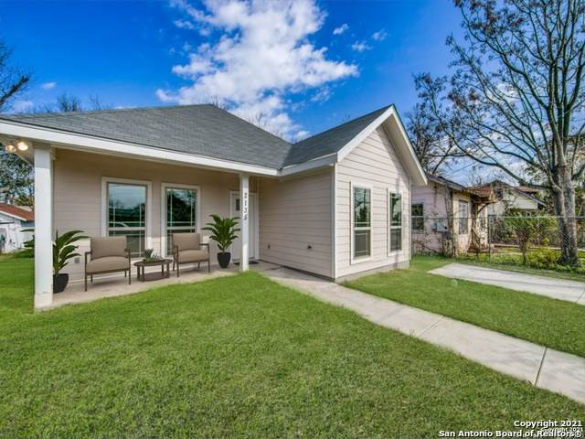 2135 E Crockett St, San Antonio, TX 78202 (MLS #1517885) :: Keller Williams Heritage