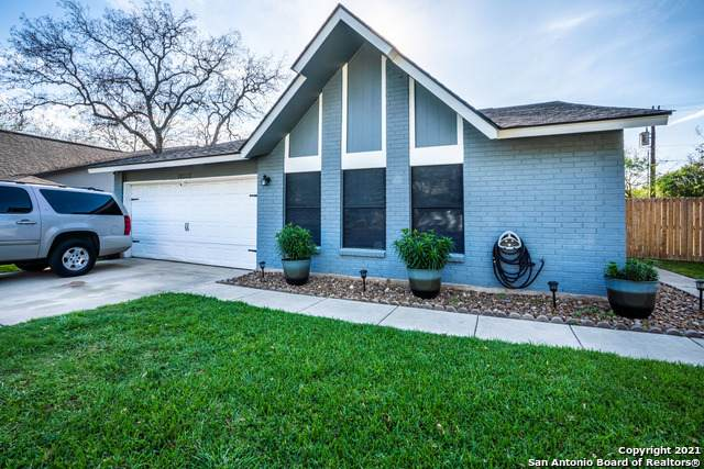 10315 Country Bluff, San Antonio, TX 78240 (MLS #1518027) :: BHGRE HomeCity San Antonio