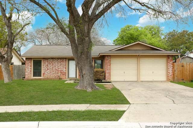 172 Rifle Gap, Universal City, TX 78148 (MLS #1518048) :: Carter Fine Homes - Keller Williams Heritage