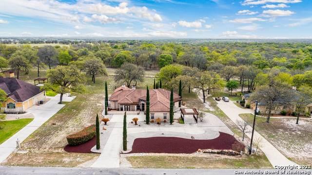 395 Rosewood Dr, La Vernia, TX 78121 (MLS #1518090) :: Neal & Neal Team