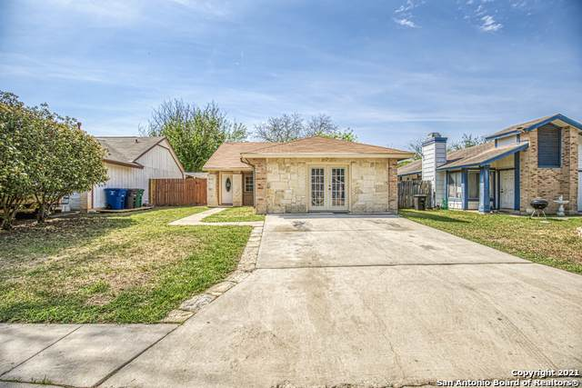 9618 Ivy Bend St, San Antonio, TX 78250 (MLS #1518251) :: The Real Estate Jesus Team