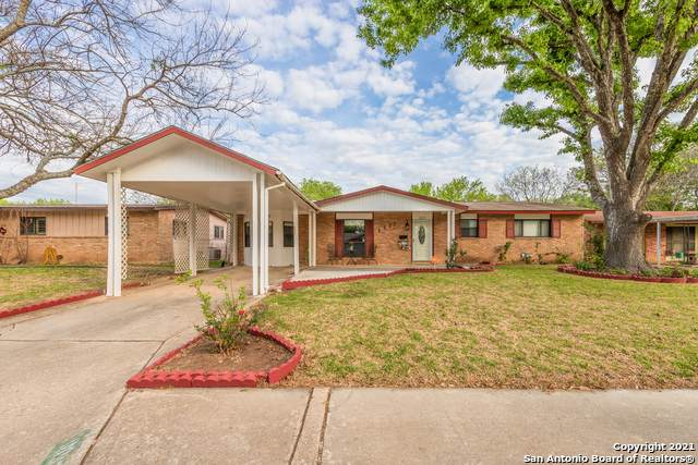 1037 Williamsburg Dr, Schertz, TX 78154 (MLS #1518255) :: The Lugo Group