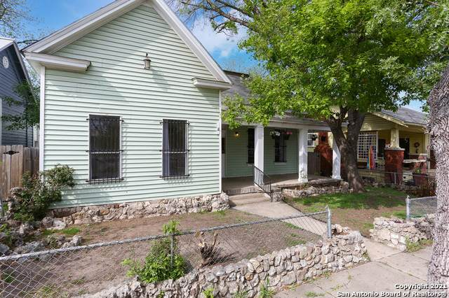 725 Burleson, San Antonio, TX 78202 (MLS #1518302) :: The Lugo Group