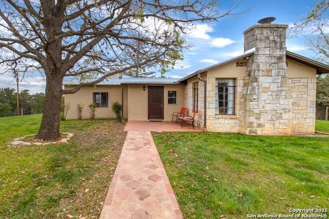 13132 Highway 16, Medina, TX 78055 (MLS #1518434) :: The Lopez Group
