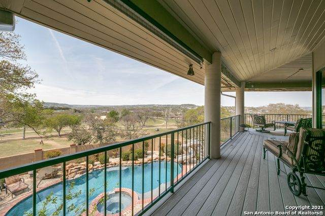 212 Lakewood Dr, Kerrville, TX 78028 (MLS #1518440) :: The Gradiz Group