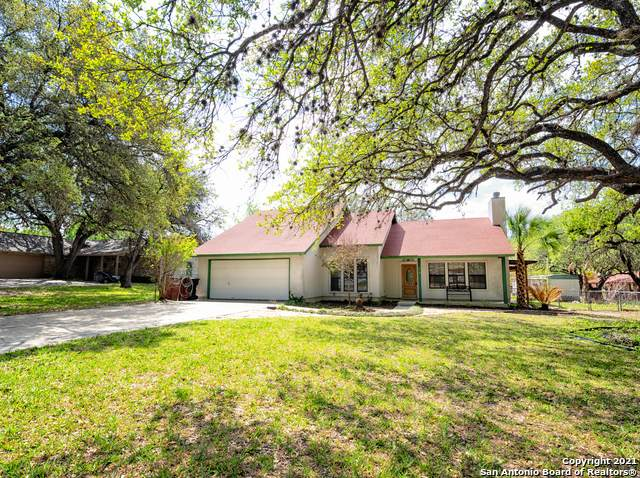 215 Sollock Dr, Devine, TX 78016 (MLS #1518547) :: The Lopez Group