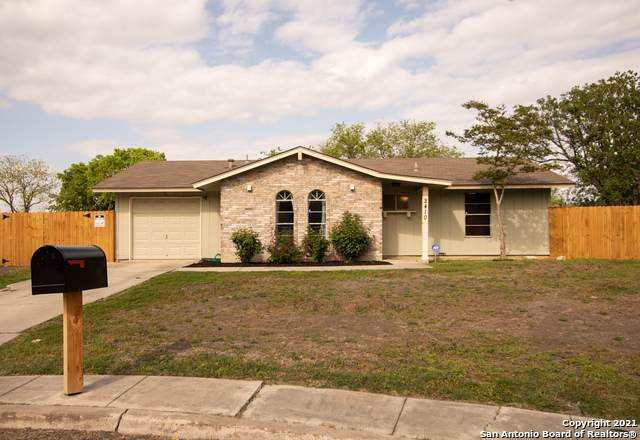2410 Roseville St, Kirby, TX 78219 (MLS #1518850) :: The Gradiz Group