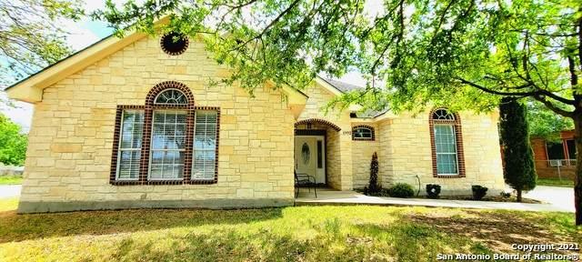 1902 W Hutchins Pl, San Antonio, TX 78224 (MLS #1518956) :: The Lugo Group