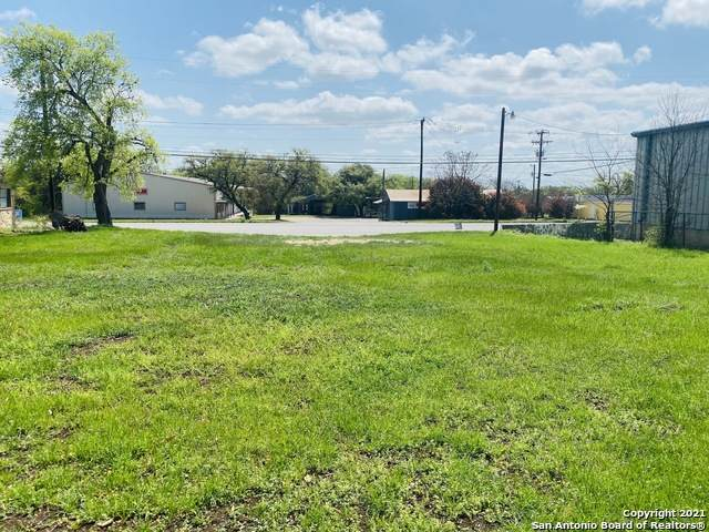 1307 Us-281 N, Blanco, TX 78606 (MLS #1518975) :: The Lugo Group