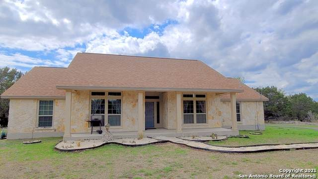 1022 Buckskin Trail, Bandera, TX 78003 (MLS #1518983) :: The Glover Homes & Land Group