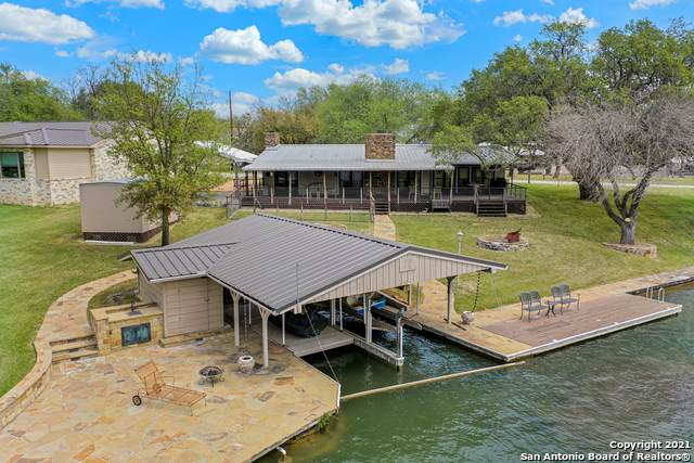 308 Granite Shoals Ln, Sunrise Beach, TX 78643 (MLS #1519014) :: Vivid Realty