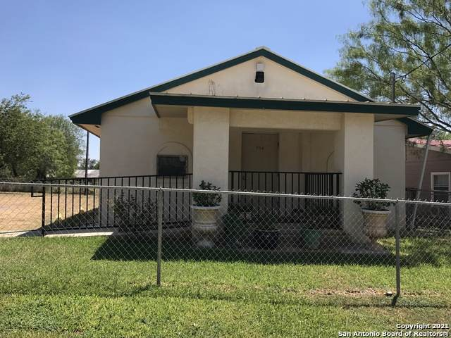 704 Storey St, Cotulla, TX 78014 (MLS #1519029) :: Neal & Neal Team