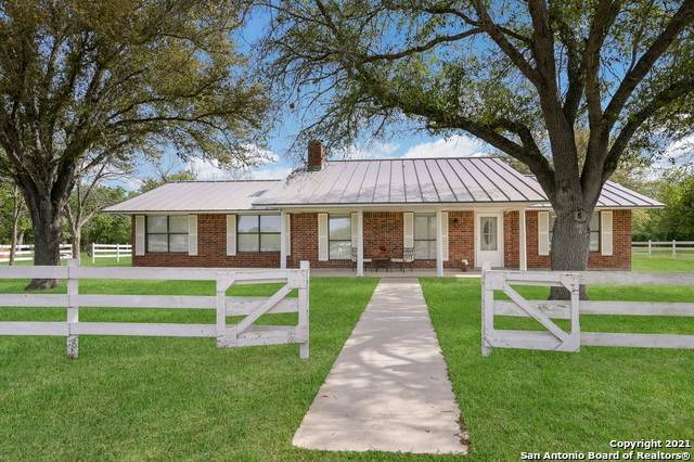 2900 Sweet Home Rd, Seguin, TX 78155 (MLS #1519123) :: Carter Fine Homes - Keller Williams Heritage