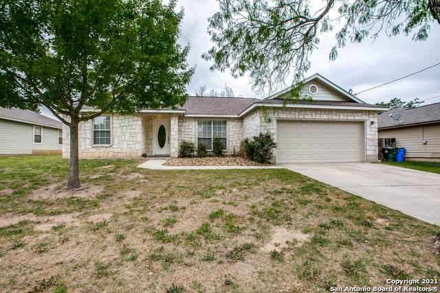 207 Mccoy, La Vernia, TX 78121 (MLS #1519159) :: The Lopez Group
