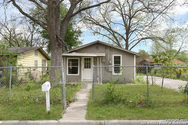 559 Silva St, Seguin, TX 78155 (MLS #1519211) :: Carter Fine Homes - Keller Williams Heritage