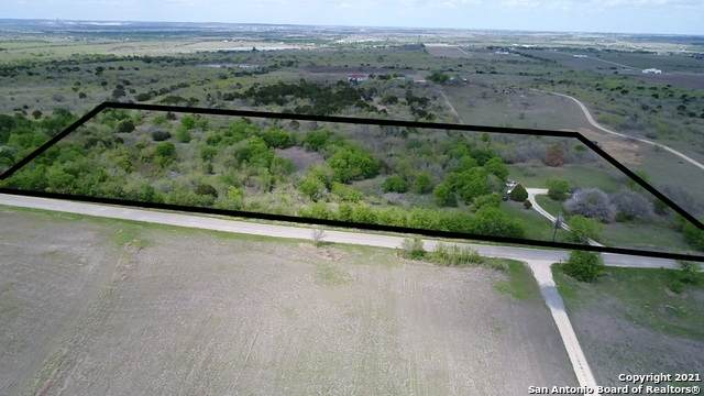 900 Dietert Rd, Seguin, TX 78155 (MLS #1519235) :: Carter Fine Homes - Keller Williams Heritage