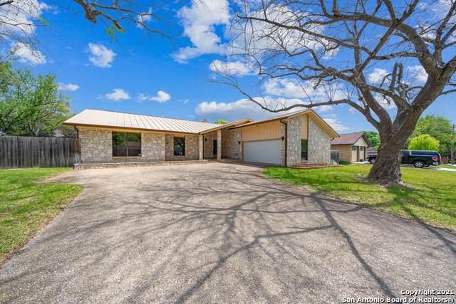 4308 Crown Oak, Schertz, TX 78154 (MLS #1519338) :: The Lugo Group