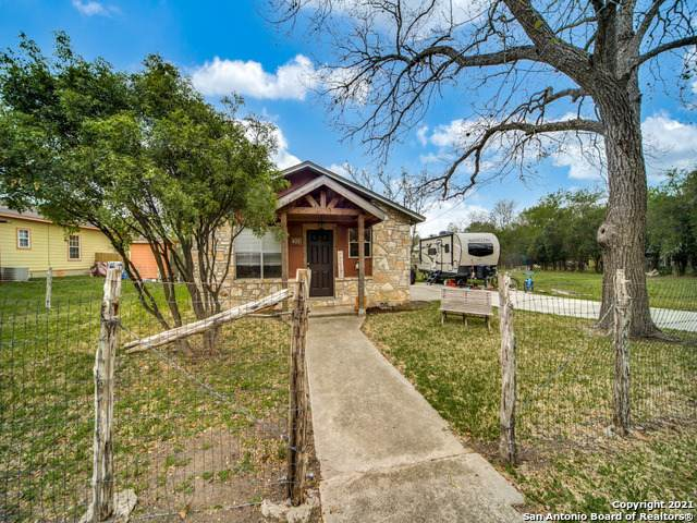 421 James St, Boerne, TX 78006 (MLS #1519383) :: Exquisite Properties, LLC