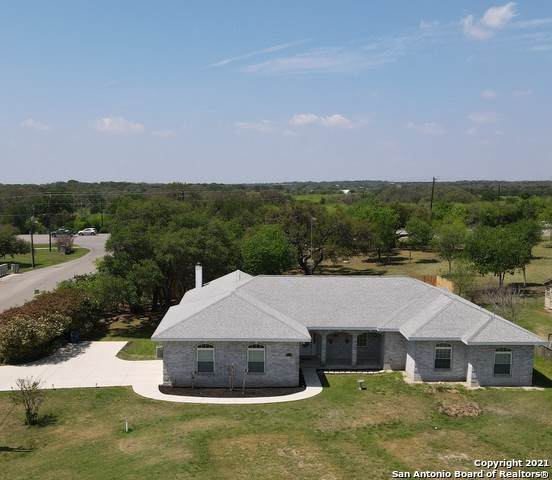 1531 Flaming Oak Dr, New Braunfels, TX 78132 (MLS #1519433) :: The Lugo Group
