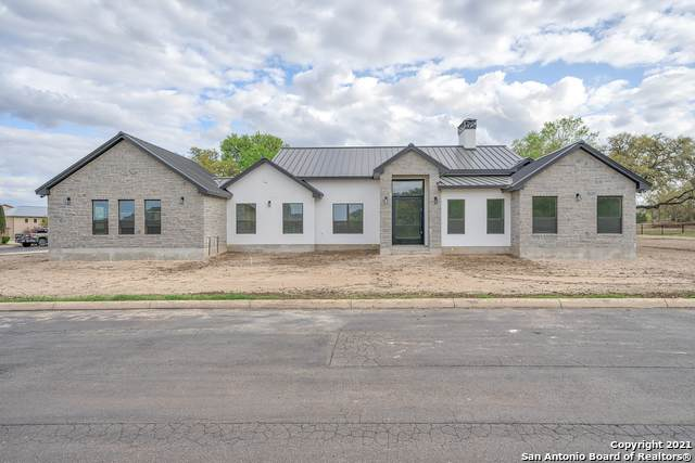 11 Flemingfeld, Boerne, TX 78006 (MLS #1519558) :: Carter Fine Homes - Keller Williams Heritage