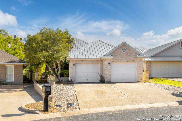 2213 Rock Creek Dr, Kerrville, TX 78028 (MLS #1519637) :: The Glover Homes & Land Group