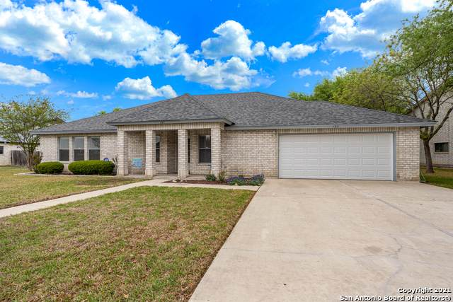 137 Village Path, Castroville, TX 78009 (#1519781) :: The Perry Henderson Group at Berkshire Hathaway Texas Realty