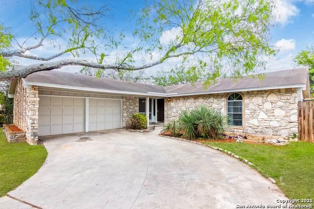 221 La Jolla Dr, Live Oak, TX 78233 (MLS #1519804) :: 2Halls Property Team | Berkshire Hathaway HomeServices PenFed Realty