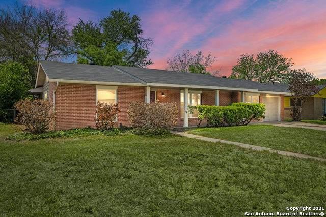 4614 Old Coach Ln, San Antonio, TX 78220 (MLS #1519832) :: 2Halls Property Team | Berkshire Hathaway HomeServices PenFed Realty