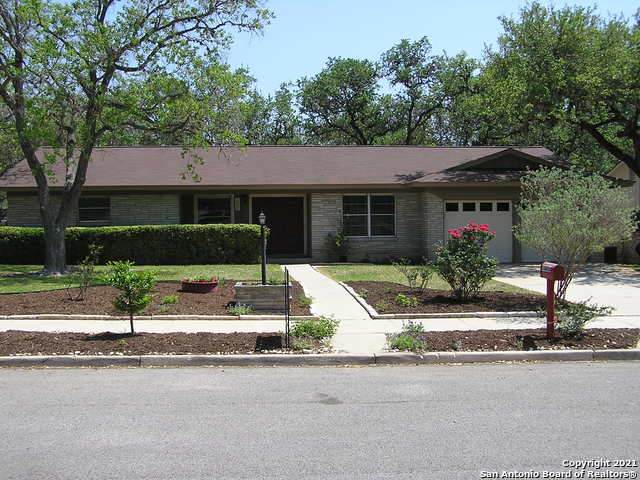 10806 Janet Lee Dr, San Antonio, TX 78230 (#1519982) :: The Perry Henderson Group at Berkshire Hathaway Texas Realty
