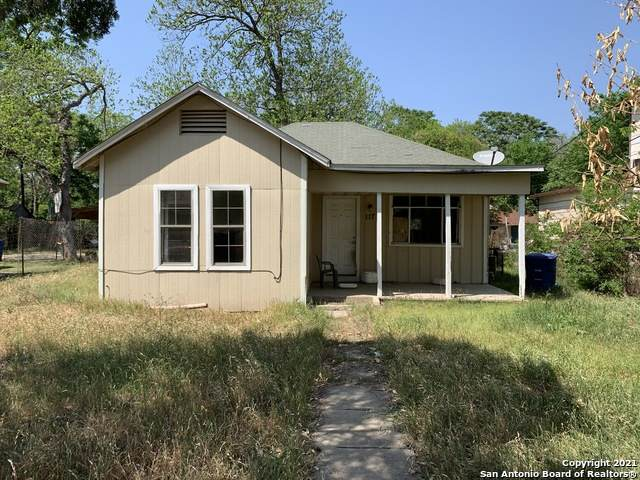 117 Cliff Ave, San Antonio, TX 78214 (MLS #1519985) :: The Lopez Group