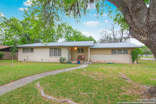 1403 Mockingbird Ln, Seguin, TX 78155 (MLS #1520016) :: The Lopez Group