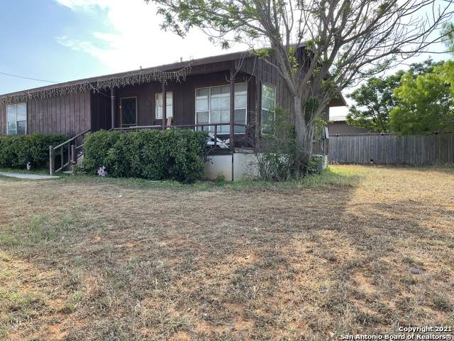 303 N Underwood St, Pearsall, TX 78061 (MLS #1520032) :: Williams Realty & Ranches, LLC