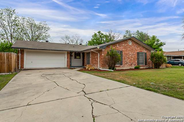 139 Fantasia St, San Antonio, TX 78216 (#1520050) :: The Perry Henderson Group at Berkshire Hathaway Texas Realty