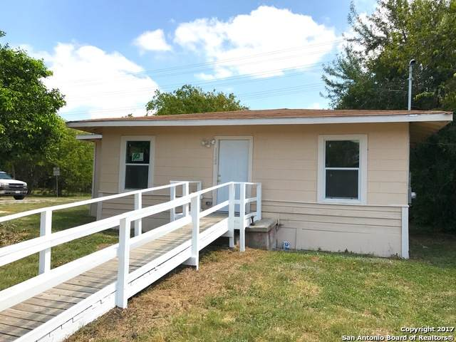 1122 Onslow Dr, San Antonio, TX 78202 (MLS #1520062) :: 2Halls Property Team | Berkshire Hathaway HomeServices PenFed Realty