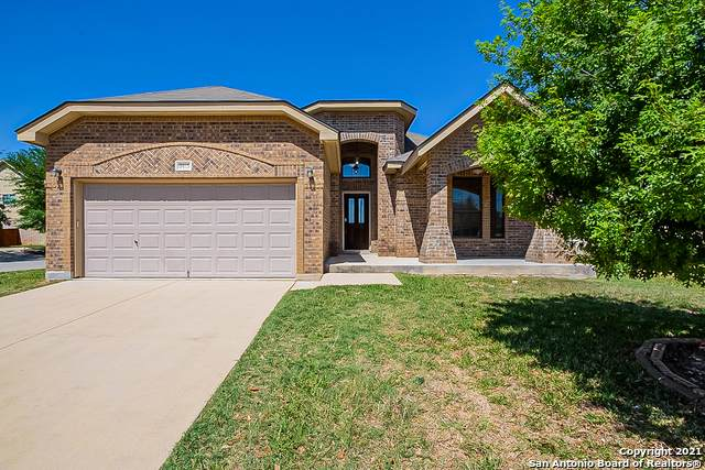 9815 Leubeck Ranch, Helotes, TX 78023 (#1520076) :: The Perry Henderson Group at Berkshire Hathaway Texas Realty