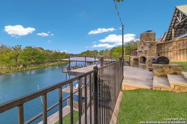 315 E Klein Rd, New Braunfels, TX 78130 (MLS #1520106) :: The Gradiz Group