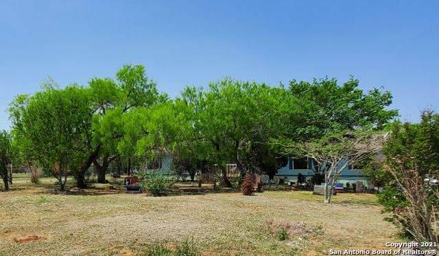 13359 Laguna Rd, San Antonio, TX 78223 (MLS #1520135) :: BHGRE HomeCity San Antonio