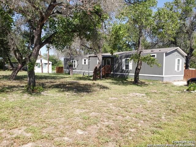 4802 Waterwood Pass Dr, Elmendorf, TX 78112 (MLS #1520167) :: Carter Fine Homes - Keller Williams Heritage