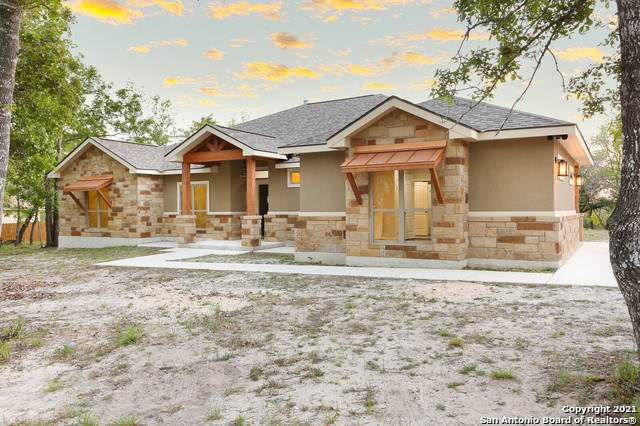 712 Falling Leaves Dr, Adkins, TX 78101 (MLS #1520209) :: Vivid Realty