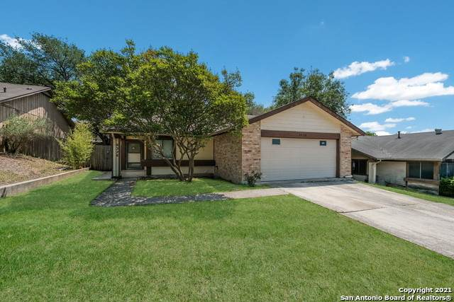 8328 Spring Town St, Converse, TX 78109 (MLS #1520224) :: The Lopez Group