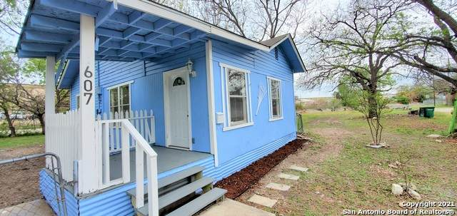 607 Whiting Ave, San Antonio, TX 78210 (MLS #1520281) :: 2Halls Property Team | Berkshire Hathaway HomeServices PenFed Realty