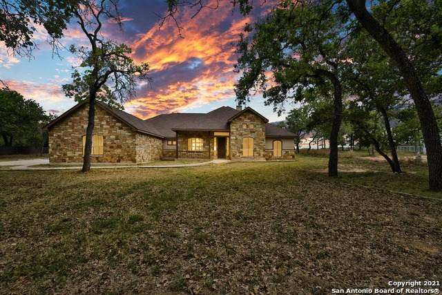 156 Woodlands Dr, La Vernia, TX 78121 (MLS #1520431) :: The Glover Homes & Land Group