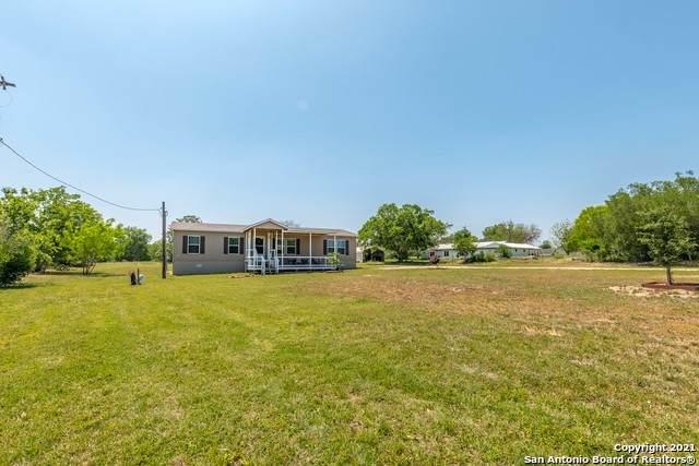12588 La Vernia, Adkins, TX 78101 (MLS #1520545) :: 2Halls Property Team | Berkshire Hathaway HomeServices PenFed Realty