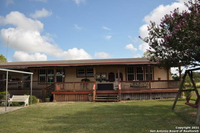 1275 Land Ranch Rd, Seguin, TX 78155 (MLS #1520665) :: The Glover Homes & Land Group