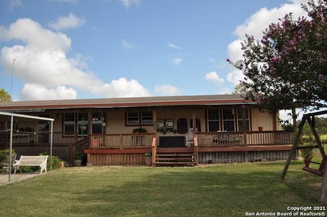 1275 Land Ranch Rd, Seguin, TX 78155 (MLS #1520665) :: Carolina Garcia Real Estate Group
