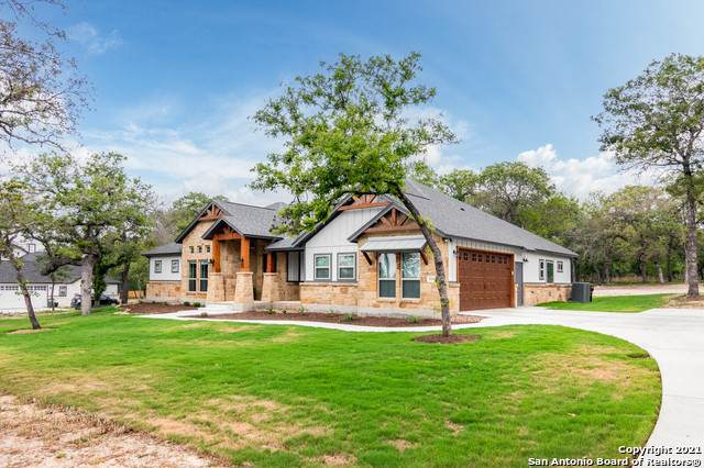 124 Chisum Trail Dr, La Vernia, TX 78121 (MLS #1520751) :: The Glover Homes & Land Group
