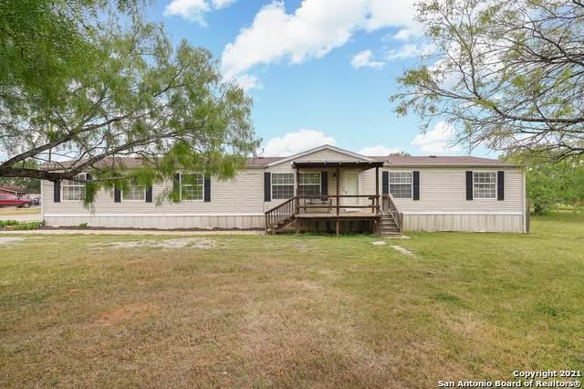 418 Homecrest Dr, La Vernia, TX 78121 (MLS #1520754) :: The Glover Homes & Land Group
