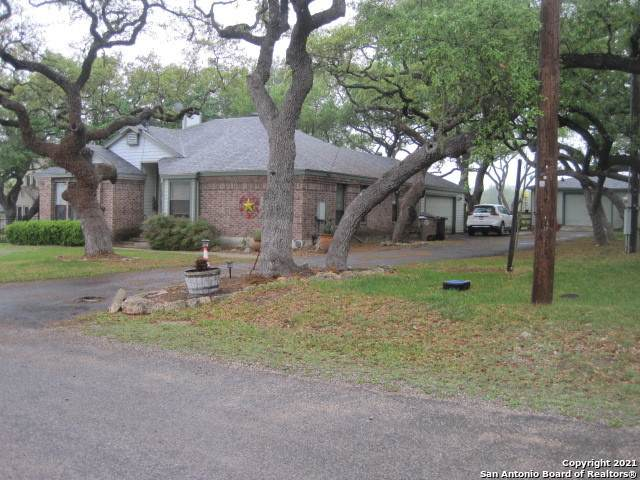 102 Arrowhead Ln, Boerne, TX 78006 (MLS #1520767) :: The Lopez Group