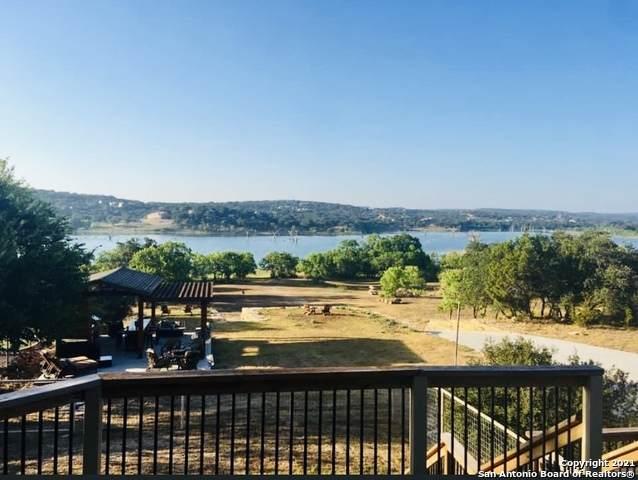 1688 Canyon Lake Dr, Canyon Lake, TX 78133 (MLS #1520776) :: Keller Williams Heritage